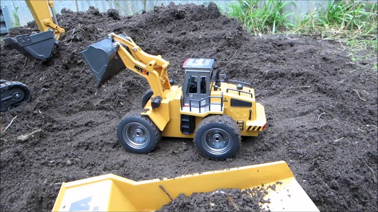 HUINA 1520 1 14 2.4G 6CH RC BULLDOZER WITH DIE CAST BUCKET ... be7f6b96889